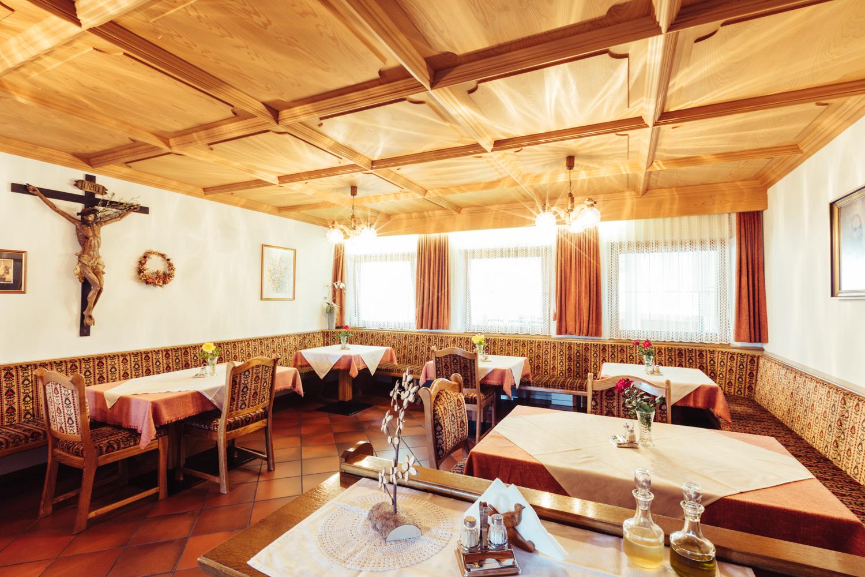 Bar in der Pension Stern in Aldein mit Zimmer und Ferienwohnungen